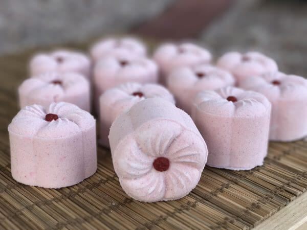 Madelyn's Rose Fizzy Bath Bomb Spread